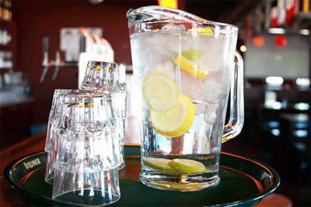 agua gratis grifo bar pub londres inglaterra