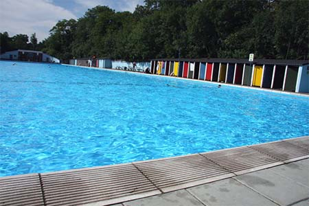 Tooting Bec Lido piscina londres