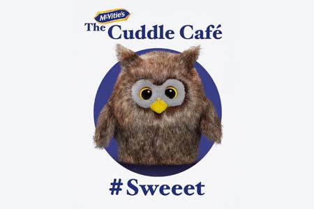 cuddle cafe te gratis abrazos londres free